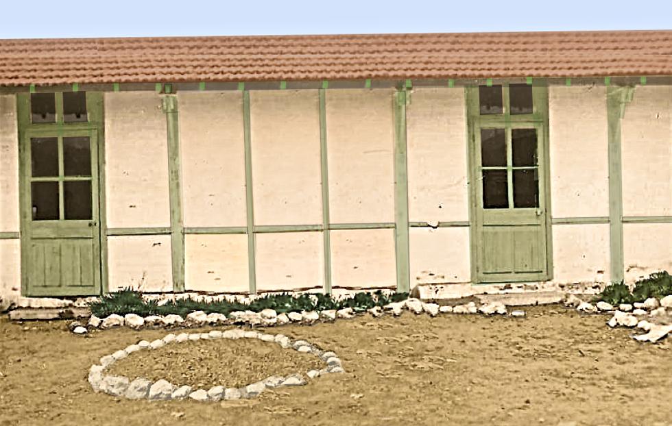 Ecole des bormettes au Quartier des annamites de 1945 à 1953 environ dans photos ecole